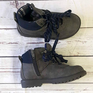 Cat & Jack gray Colton hiking winter boot / 10